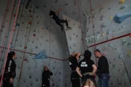 Zajęcia praktyczne - wspinaczka na ściance - grupa Fala.